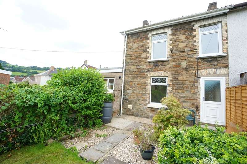 3 Bedrooms End Of Terrace House for sale in Wellspring Terrace, Risca, NEWPORT, NP11