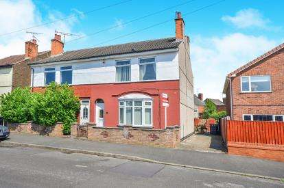 3 Bedrooms Semi Detached House for sale in Grove Road, Sutton-In-Ashfield, Nottinghamshire, Notts