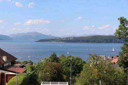 3 Bedrooms Flat for sale in Divert Road, Gourock