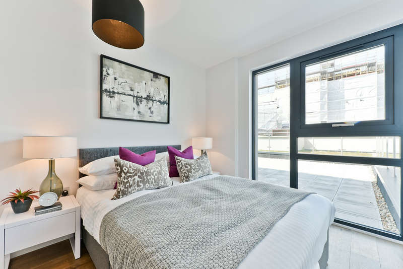 2 Bedrooms Flat for sale in Camden High Street, NW1 7JY
