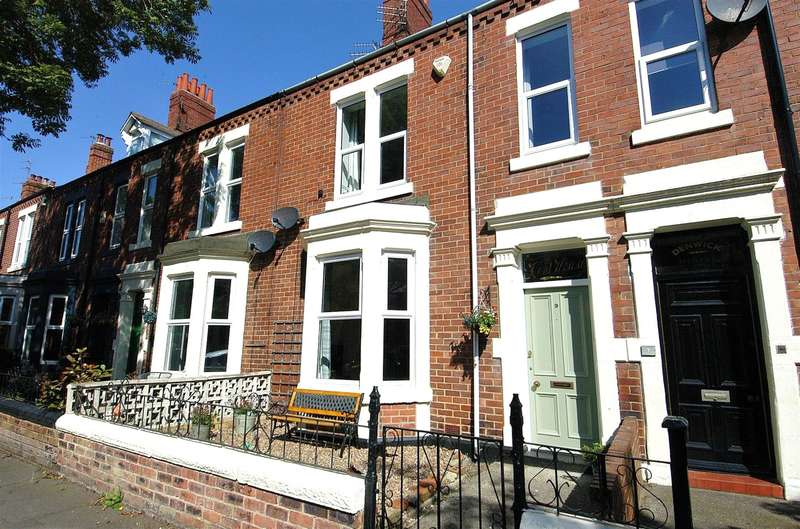 3 Bedrooms Terraced House for sale in Denwick Terrace, Tynemouth, Tyne And Wear, NE30 2SG