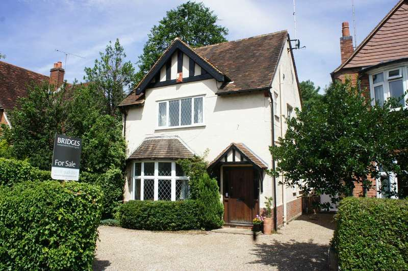 3 Bedrooms Detached House for sale in Woodcote Road, Caversham Heights