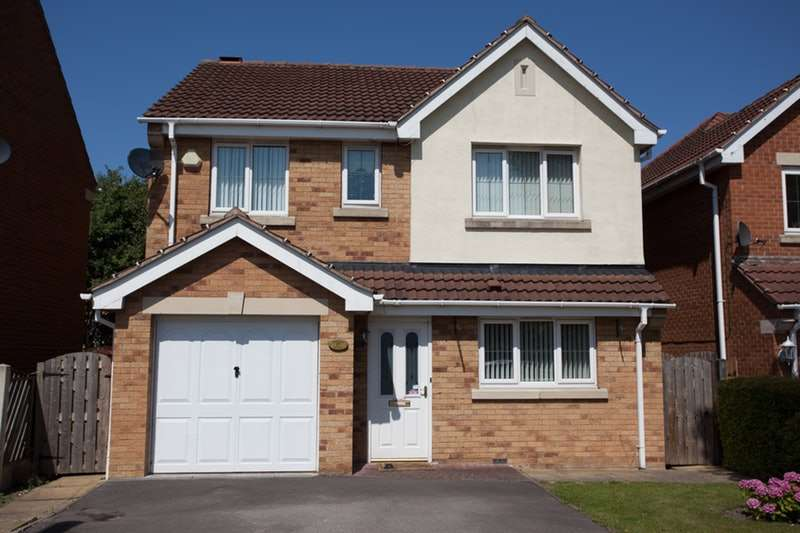4 Bedrooms Detached House for sale in Watchley Gardens, Rotherham, South Yorkshire, S63