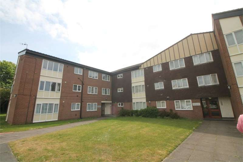 1 Bedroom Flat for sale in Dowhills Park, BLUNDELLSANDS, Merseyside