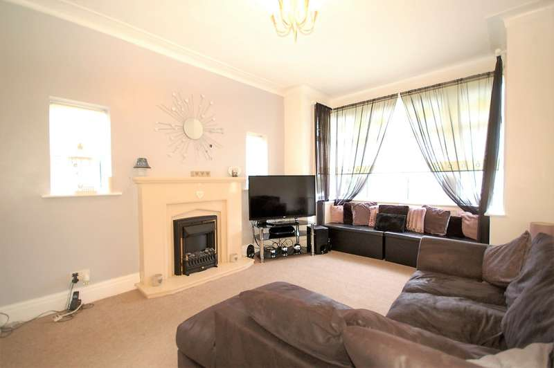 2 Bedrooms Semi Detached Bungalow for sale in Shirley Crescent, Blackpool