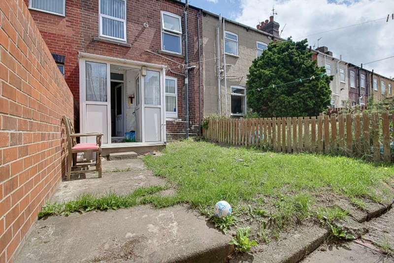 2 Bedrooms Terraced House for sale in St Marys Road, Goldthorpe