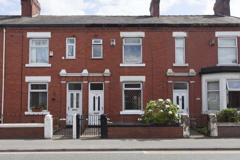 2 Bedrooms Terraced House for sale in Manchester Old Road, Manchester, Greater Manchester, M24