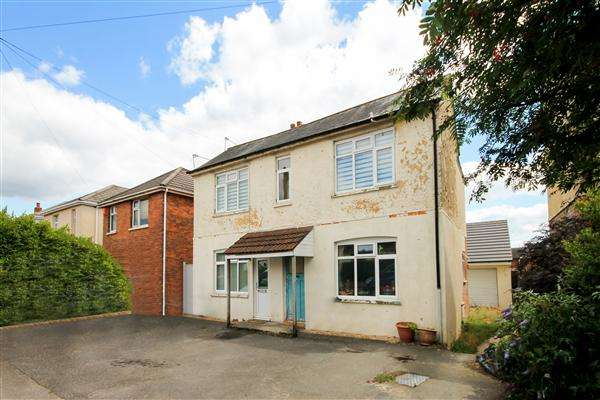 2 Bedrooms Flat for sale in Brixey Road, Poole