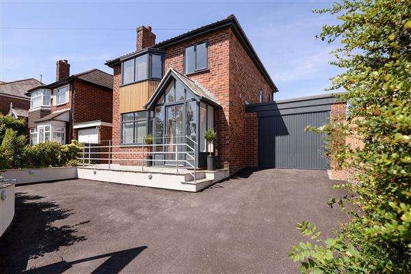 3 Bedrooms Property for sale in Park Lane, Macclesfield