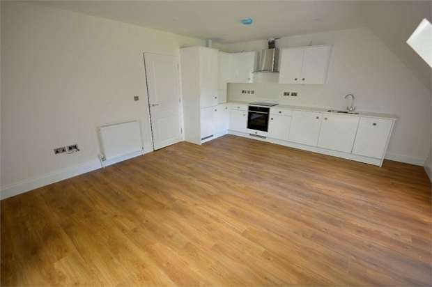 1 Bedroom Flat for sale in Roslin Road, Talbot Woods, Bournemouth