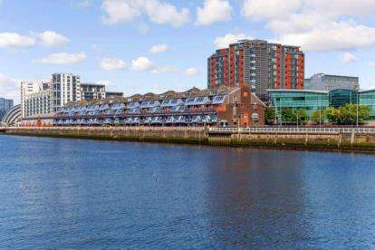 2 Bedrooms Flat for sale in Lancefield Quay, Glasgow