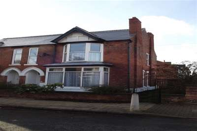 3 Bedrooms House for rent in Byron Road, West Bridgford, NG2 6DX