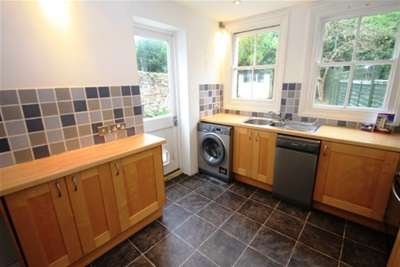 2 Bedrooms Flat for rent in Close To Brighton Station