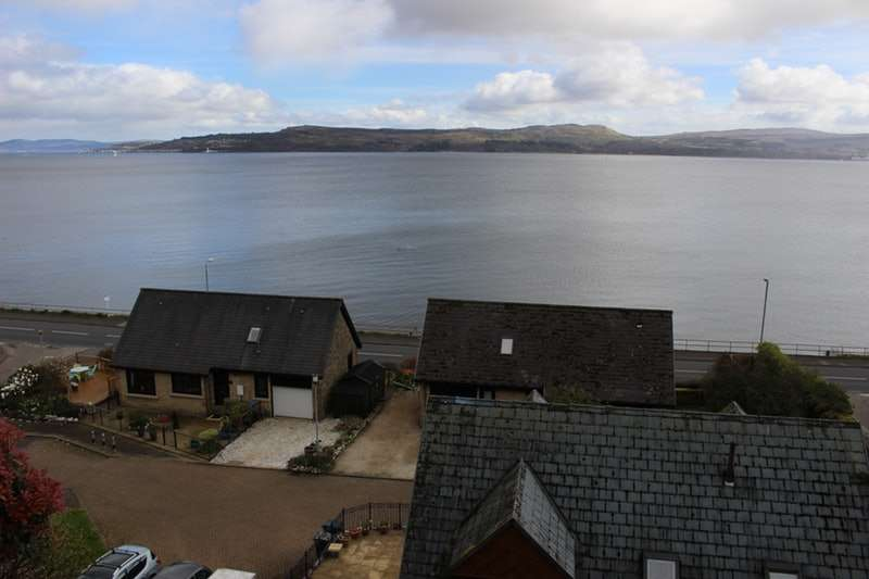 4 Bedrooms Detached House for sale in Bullwood Road, Dunoon, Argyllshire, PA23