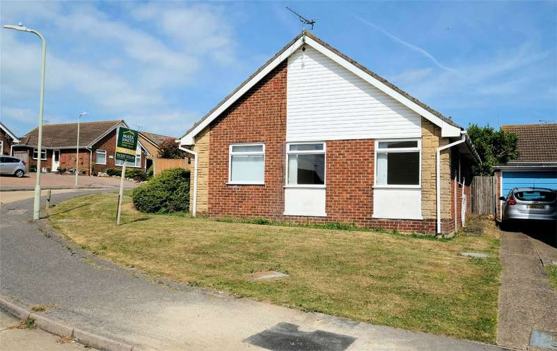 3 Bedrooms Detached Bungalow for sale in Avondale Close, WHITSTABLE, Kent