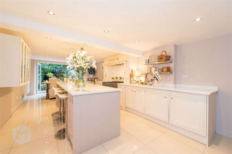 2 Bedrooms Cottage House for sale in Walkden Road, Worsley, Manchester