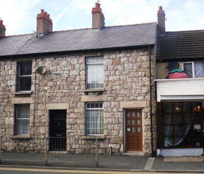 2 Bedrooms Cottage House for sale in Wellington Road, Rhyl, Denbighshire, LL18
