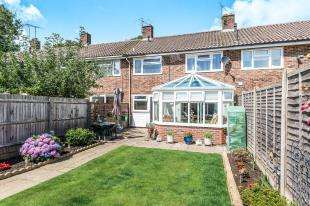 3 Bedrooms Terraced House for sale in Furnace Drive, Crawley, West Sussex, United Kingdom