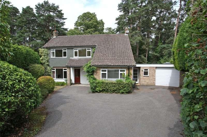 4 Bedrooms Detached House for sale in Grovelands, Lower Bourne, Farnham, Surrey, GU10