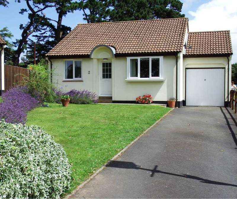 2 Bedrooms Detached Bungalow for sale in Roundswell, Barnstaple