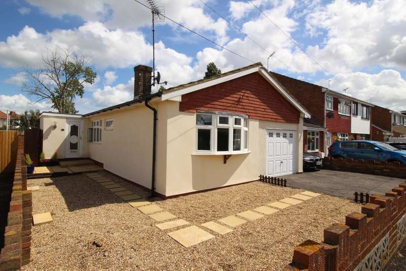 3 Bedrooms Detached Bungalow for sale in Sunnyside Avenue, SHEERNESS, ME12