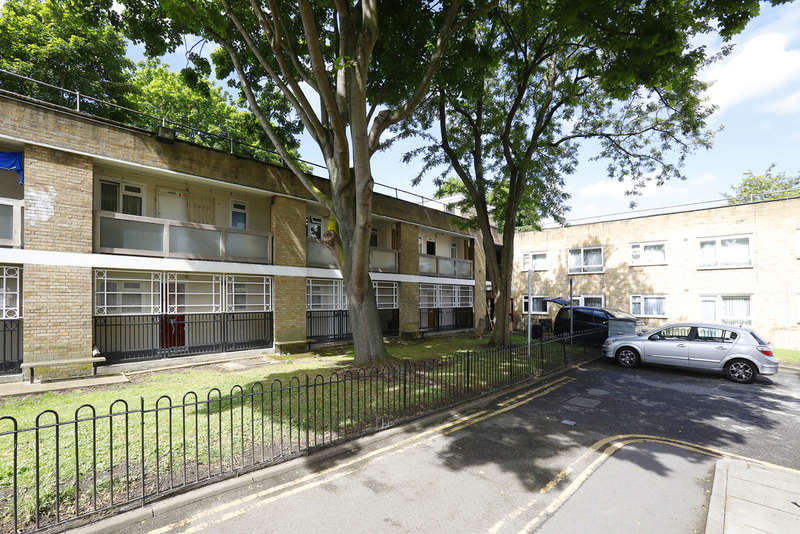 1 Bedroom Flat for sale in Lilford Road, London, SE5