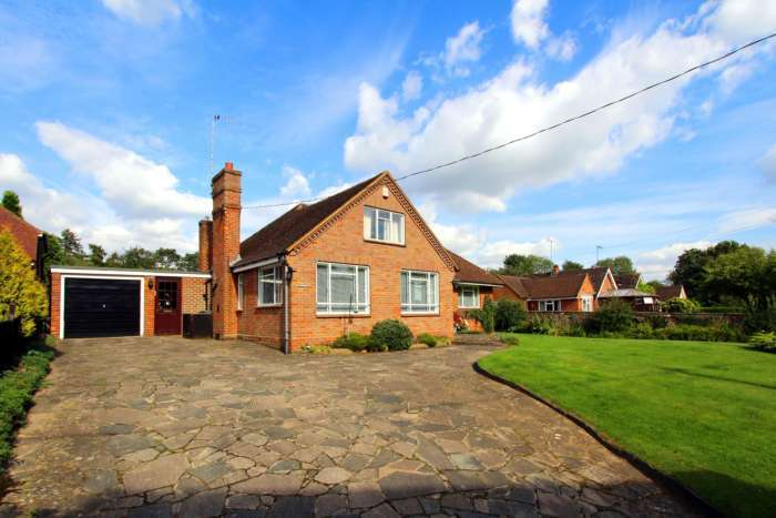 3 Bedrooms Detached Bungalow for sale in Wharf Lane, Dudswell