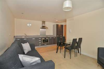 2 Bedrooms Flat for rent in Heathcoat House, City Centre,NG1 7HD