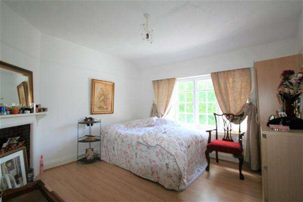 2 Bedrooms Flat for sale in Hendale Avenue, NW4, Hendon