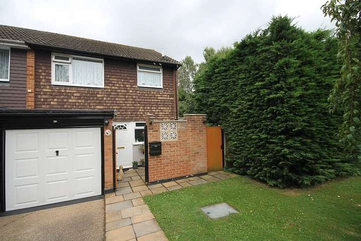 3 Bedrooms End Of Terrace House for sale in April Close, Feltham, TW13