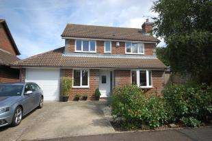 4 Bedrooms Detached House for sale in Calvert Road, Uckfield, East Sussex, Uckfield