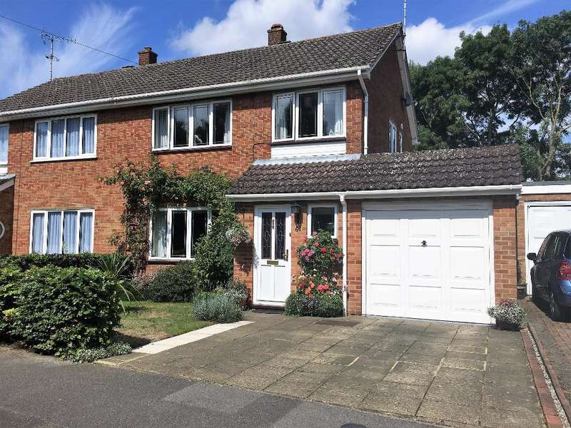 3 Bedrooms Semi Detached House for sale in Iverly Road, Farnborough, Hampshire, GU14 0JP