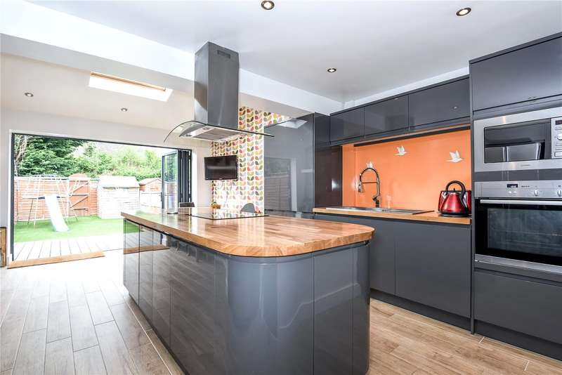 3 Bedrooms Terraced House for sale in Beauchamp Gardens, Mill End, Hertfordshire, WD3