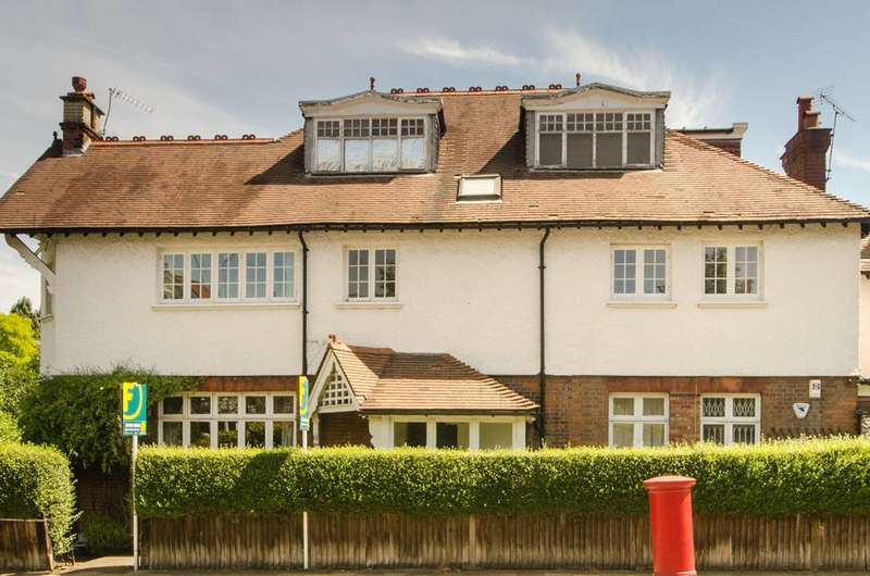 2 Bedrooms Flat for sale in Dartmouth Road, Mapesbury Estate, NW2