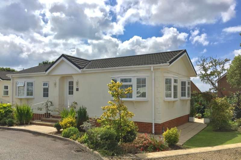 2 Bedrooms Bungalow for sale in Oak Tree Lane, Eastbourne, BN23