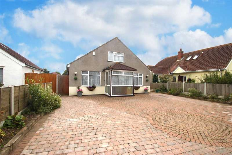4 Bedrooms Bungalow for sale in Burrs Road, Great Clacton