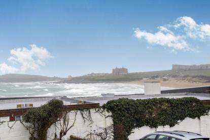 2 Bedrooms Flat for sale in Pentire Avenue, Pentire, Newquay