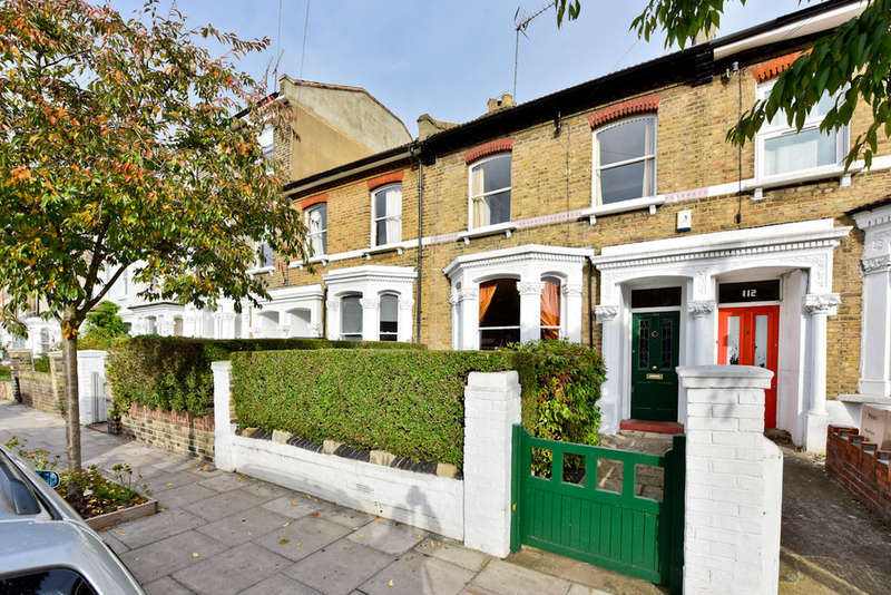 2 Bedrooms Terraced House for sale in St. Thomas's Road N4 2QW