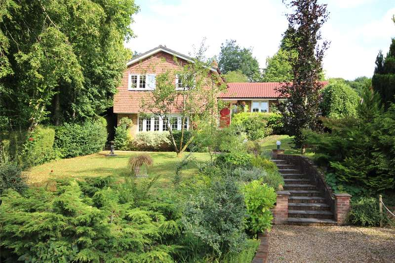 4 Bedrooms Detached House for sale in Kings Hill, Beech, Alton, Hampshire, GU34