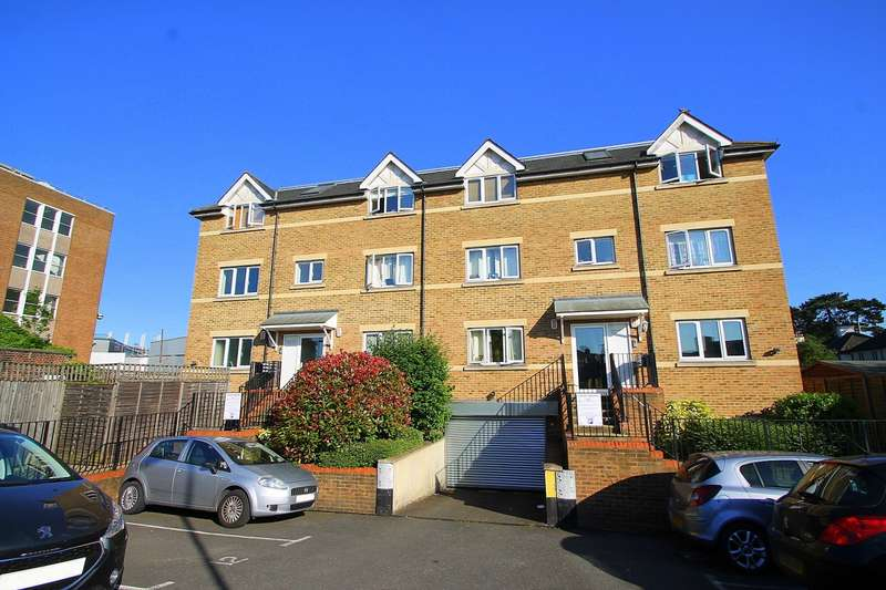 1 Bedroom Flat for sale in Gemini Place, Chertsey Road, Ashford, TW15