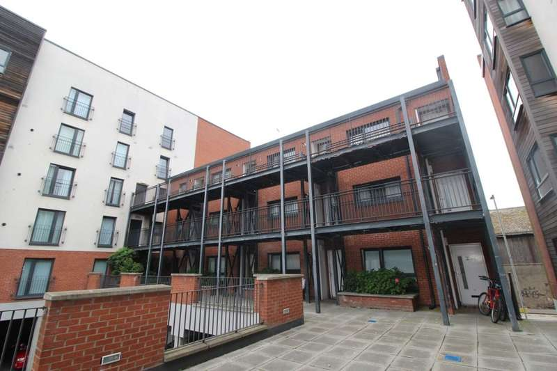 1 Bedroom Flat for sale in Salamander Court, Edinburgh, EH6