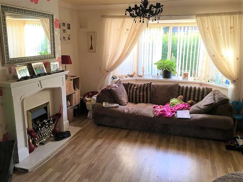 3 Bedrooms Semi Detached House for sale in House for sale at Makinson Ave Horwich Bolton