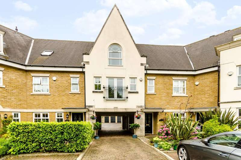 2 Bedrooms Flat for sale in Whitstone Lane, Park Langley, BR3
