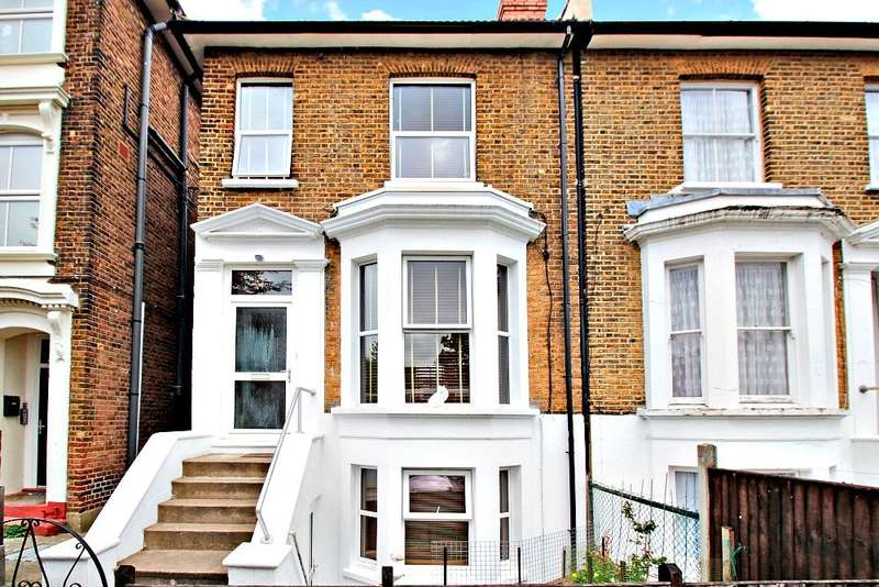 4 Bedrooms Semi Detached House for sale in Laurel Grove, London, SE20