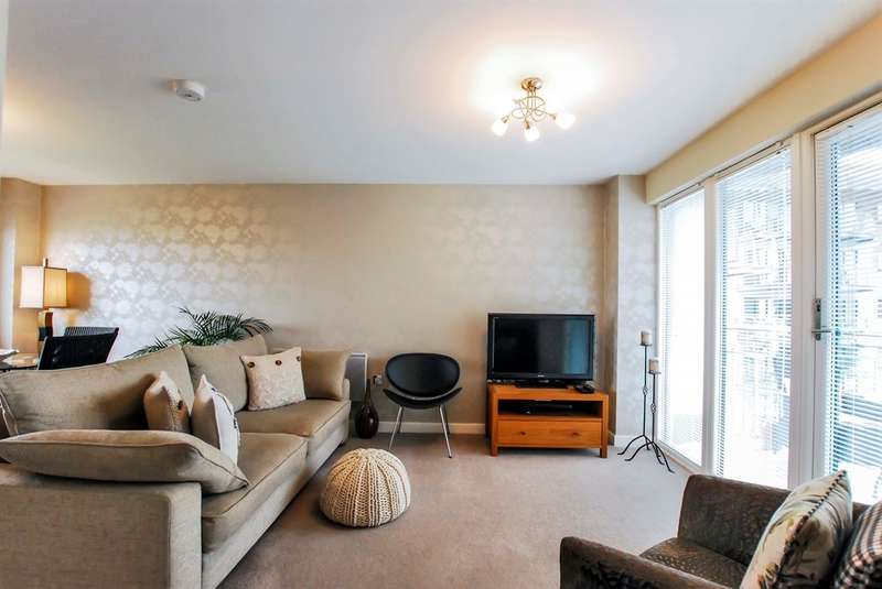 2 Bedrooms Apartment Flat for sale in Watkiss Way, Cardiff