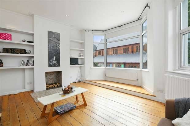 3 Bedrooms Flat for sale in South Parade, Chiswick