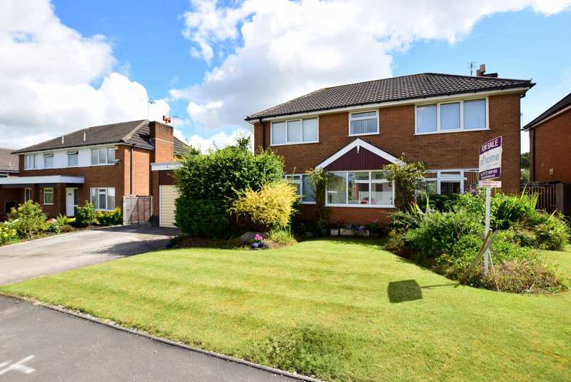 4 Bedrooms Detached House for sale in Willow Drive, Wrea Green