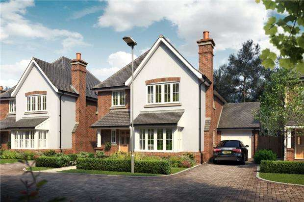 4 Bedrooms Link Detached House for sale in Victoria Place, Crowthorne, Berkshire