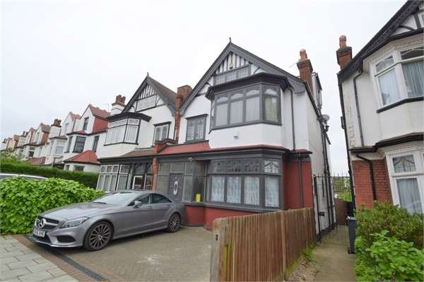 6 Bedrooms Semi Detached House for sale in Heybridge Avenue, Streatham