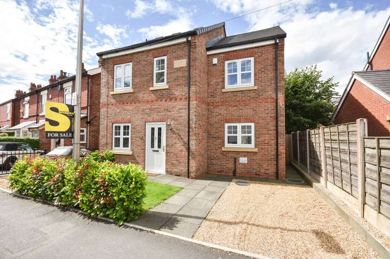 4 Bedrooms Detached House for sale in CLUMBER ROAD, POYNTON